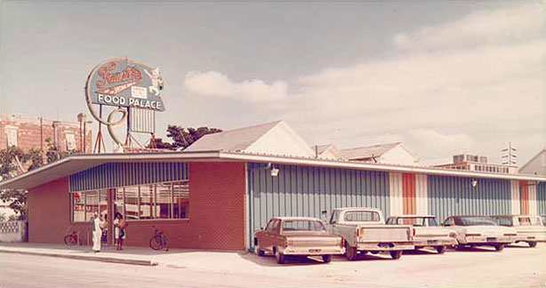 Fausto's 60's exterior